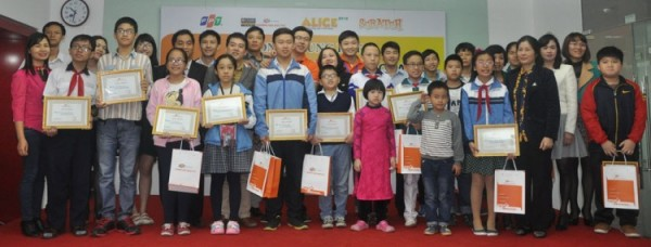 Vòng Chung kết Scratch 2015 khép lại với sự phấn trấn của học sinh, niềm tự hào của thầy cô, cha mẹ và niềm tự hào tự tin của BTC cũng như những tổ chức giáo dục như FPT đang ngày đêm đau đáu nỗi niềm truyền niềm đam mê CNTT trong thế hệ trẻ Việt Nam.