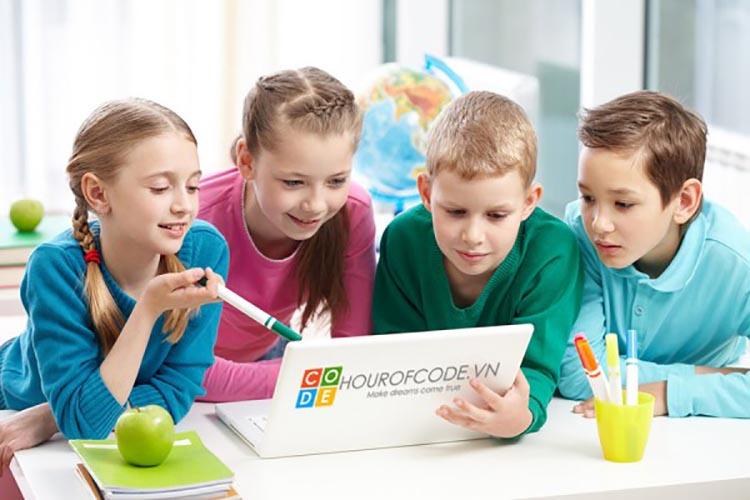 Một khóa học lập trình cho trẻ sẽ là món quà ý nghĩa cho trẻ trong hè này