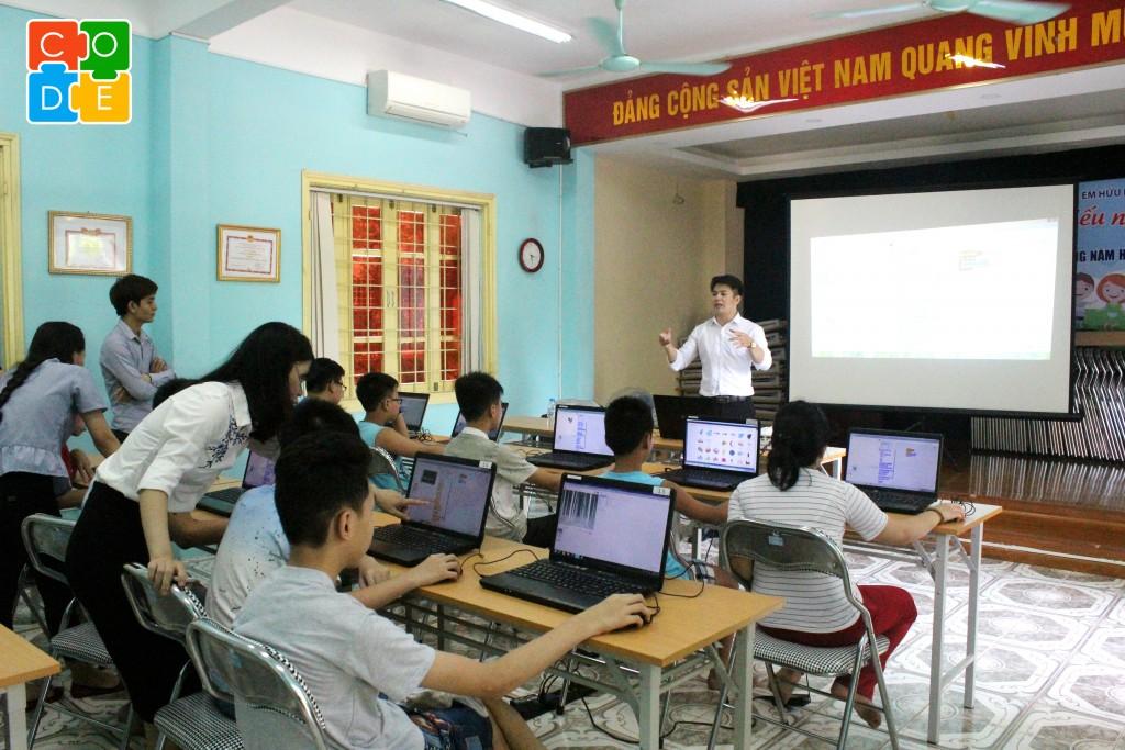 Một lớp học miễn phí dành cho các em nhỏ tại Nhà nuôi dưỡng trẻ em Hữu Nghị Đống Đa